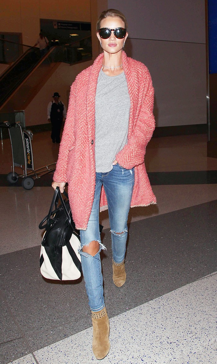 Rosie Huntington-Whiteley in aiport celeb style