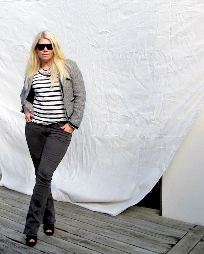 black and white outfit with flared jeans