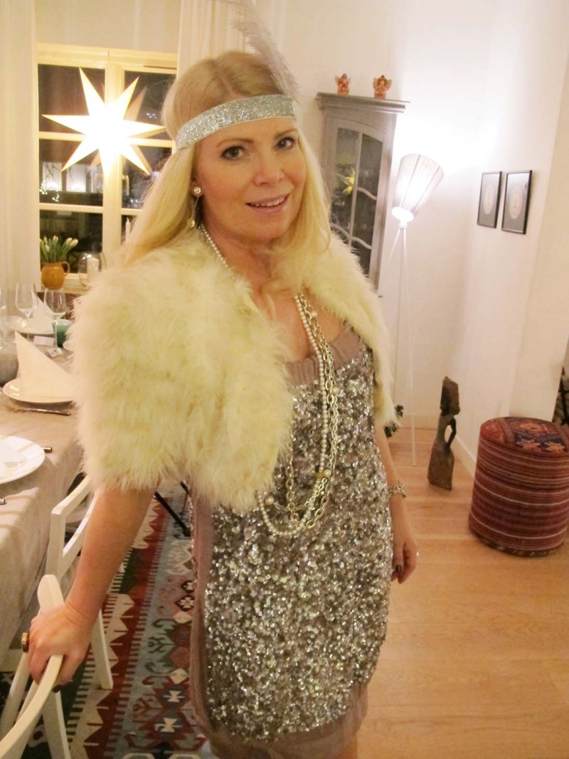 the great gatsby outfit pannband fjäder paljettklänning